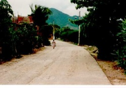 Woman on street, Huamelula